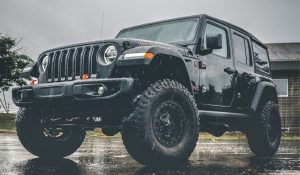 Read more about the article Choosing Tires and Rims for Jeep Wrangler 33″ vs 35″ vs 37″ Comparison