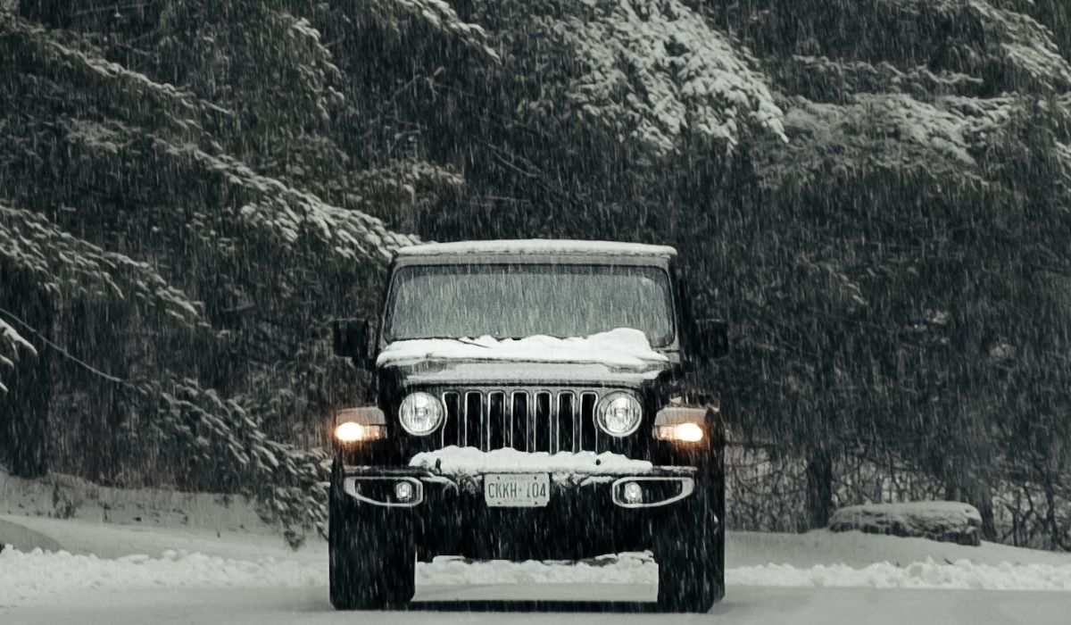 Read more about the article Jeep Wrangler in snow | 10 Major things to check before riding in snow