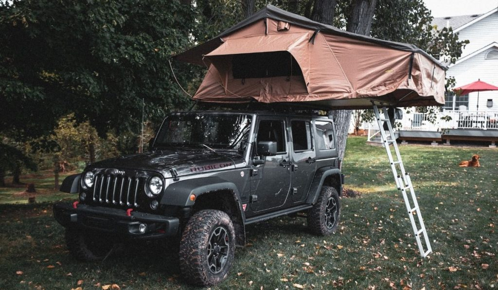 Rooftop tent for a jeep Wrangler