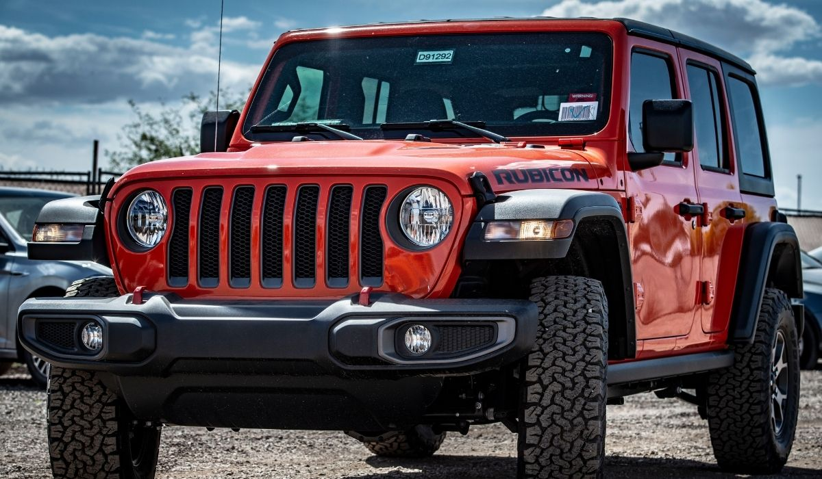 Read more about the article How to replace rear windshield wiper on jeep wrangler?