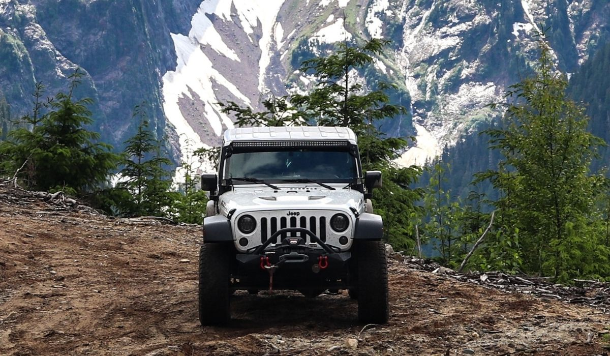 You are currently viewing How to jump start battery on jeep wrangler with efficient methods?