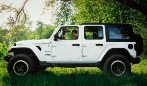 Read more about the article Cleaning and Removal of interior trim on jeep wrangler with simple steps