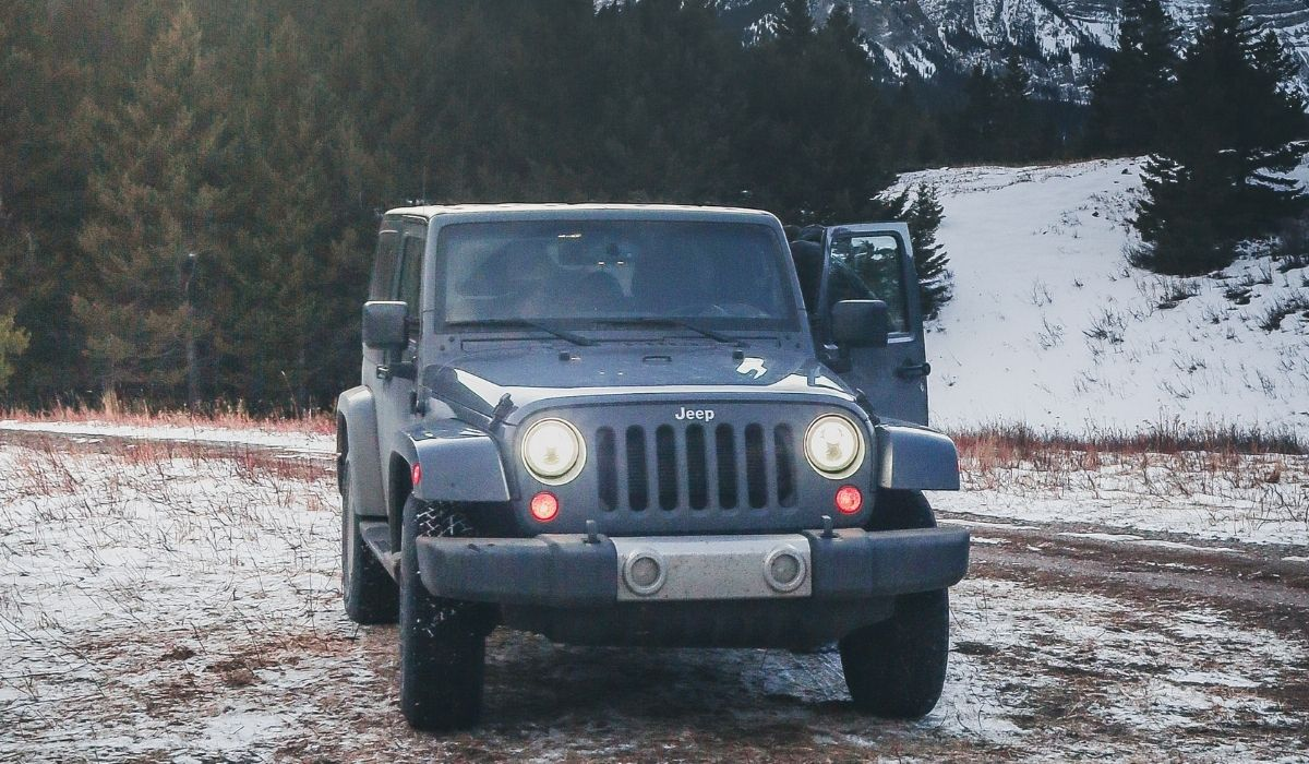 Read more about the article Replacing splash guard and mud flaps on jeep wrangler | Easy ways to do it