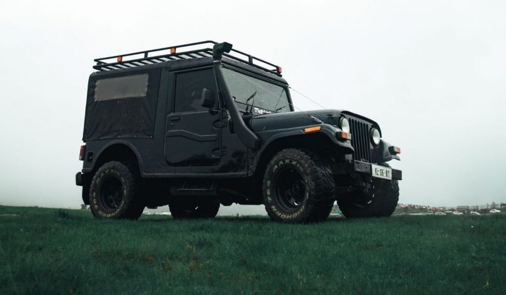 How to install an alien sunshade on a jeep wrangler?